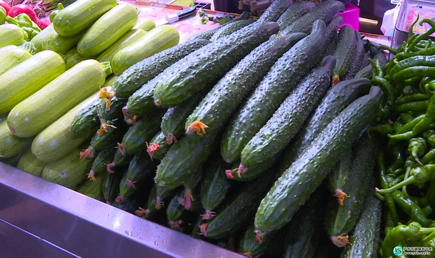 泸水:多部门联动 确保春节物价平稳 食品安全