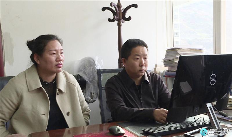 泸水干部群众热议脱贫攻坚大型政论专题片《摆脱贫困》